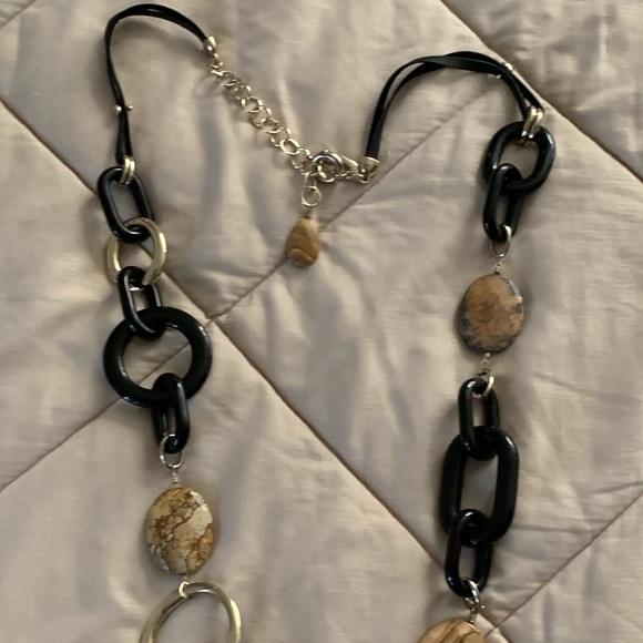 Chico's Jewelry - Chico's Necklace 🛍🛍